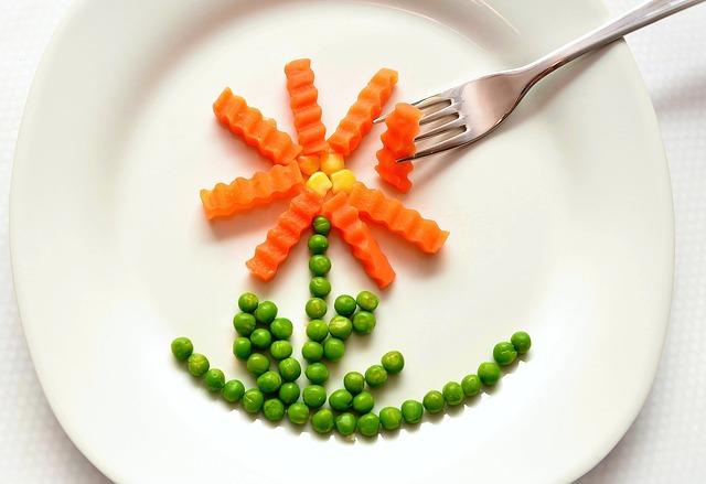 Essen, zunehmen, Stoffwechsel, zu wenig essen, zuviel essen, fressen, eat-547511_640, Erbsen, Mörchen