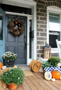 Inspiring Fall Porch Decorating Ideas - Christinas