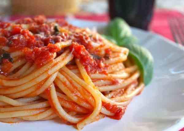 Authentic Quick Italian Tomato Sauce for Pasta
