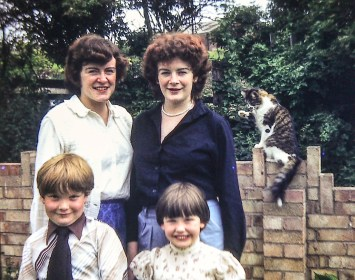 Anabel, Elspeth, Stuart, Lorna and a photo-bombing cat