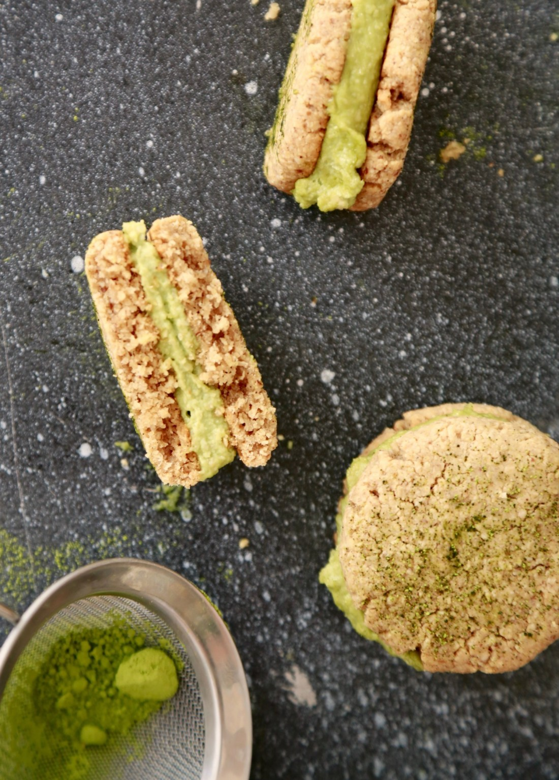cookie-sandwich-cookies-med-matchafyld-vegansk-glutenfri-1