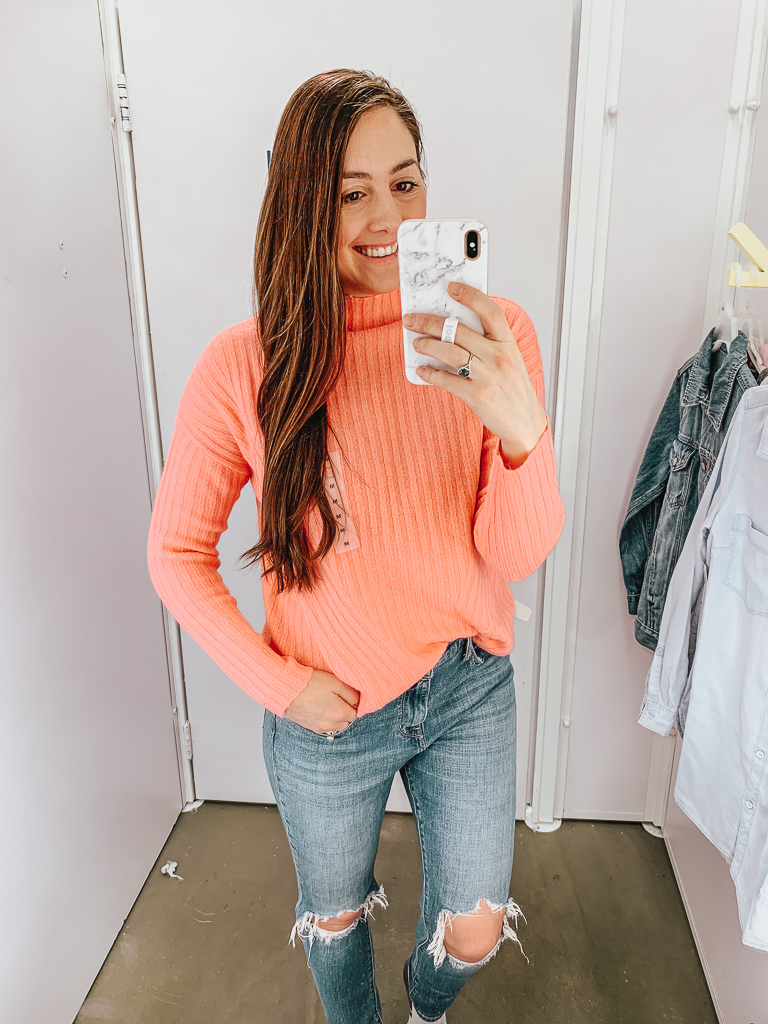 Looking for year-round wardrobe staples or transitional Winter to Spring pieces? My most recent Old Navy try-on checks everything on the list!