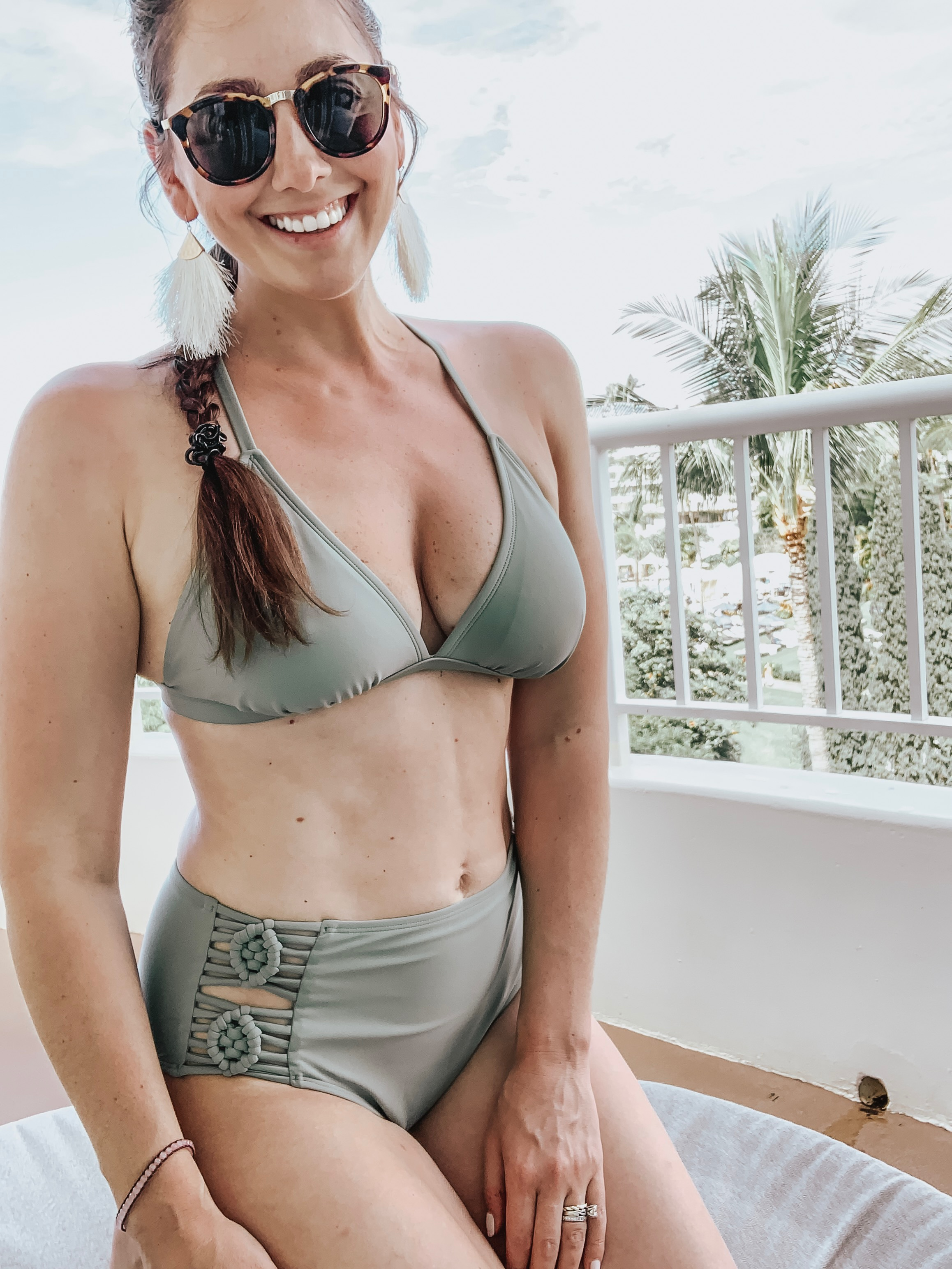 Looking for the perfect swimsuit to make you feel confident with your mom bod? Here are some of the best modest swimsuits for new moms! Plua great coverups!