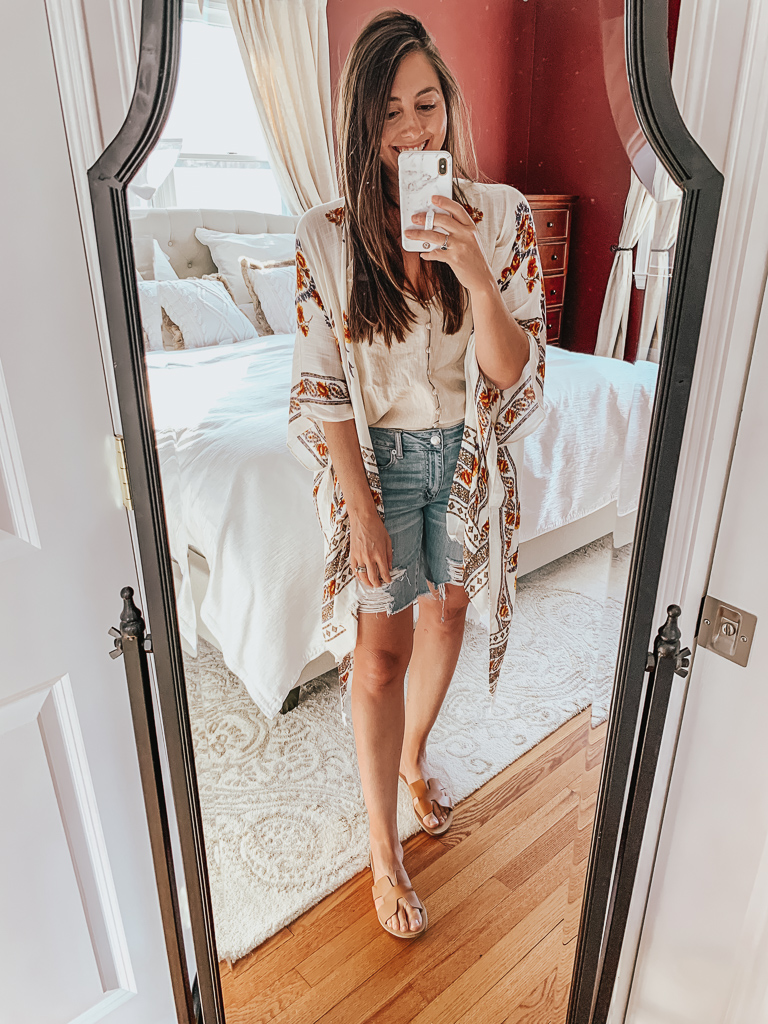 Looking to update your look this Spring? Look no further we are showing you all the gorgeous looks from AE this Season with this American Eagle Try-On!