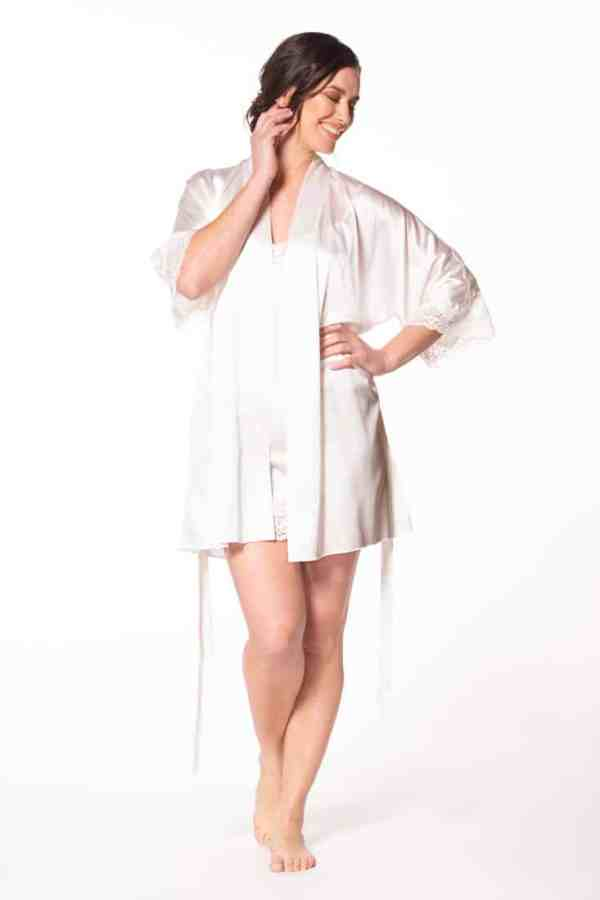 Muse Short Robe
