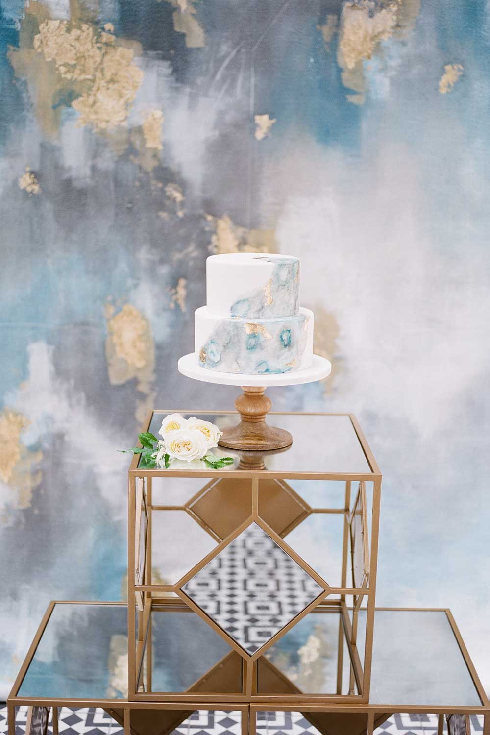 Christine_Olmstead_Wedding_Cake_Backdrop