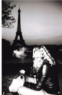 09_08_21 picnic smoke eiffel