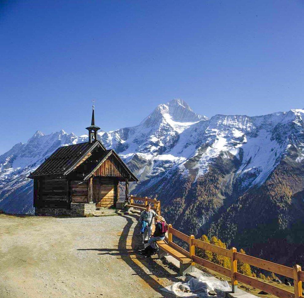 Der Lötschentaler Kapellen-Höhenweg