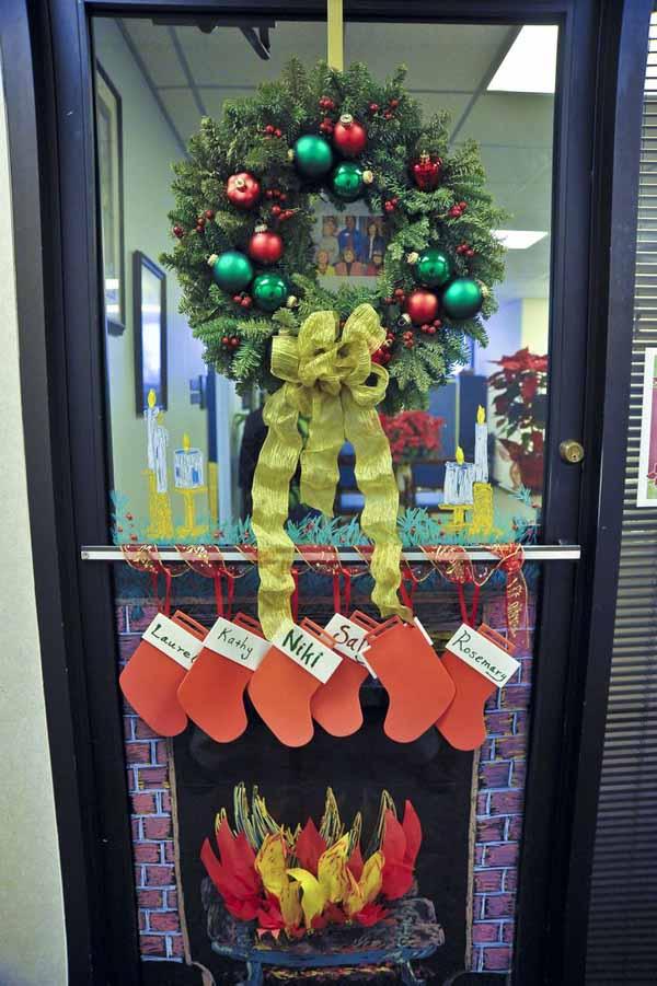 Top Christmas Door Decorations