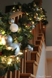 40 Gorgeous Christmas Banister Decorating Ideas ...