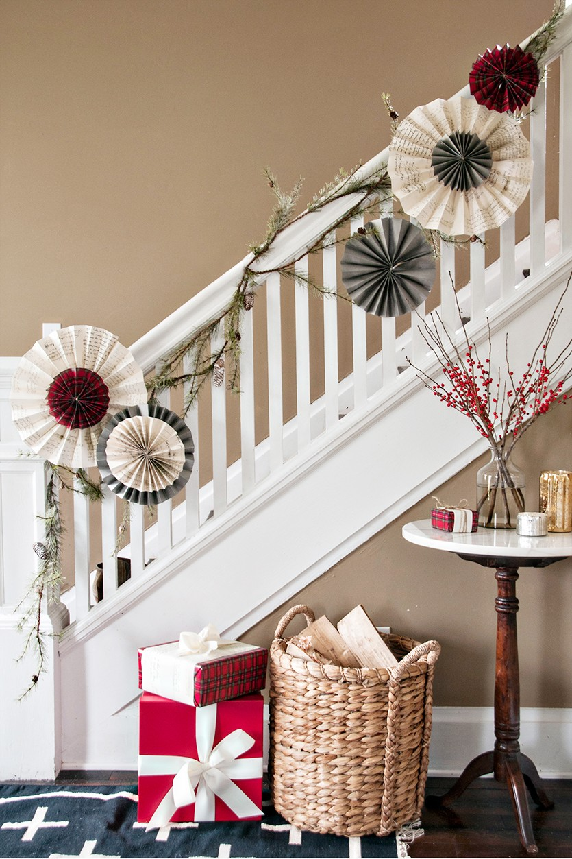 40 Gorgeous Christmas Banister Decorating Ideas  Christmas Celebration  All about Christmas