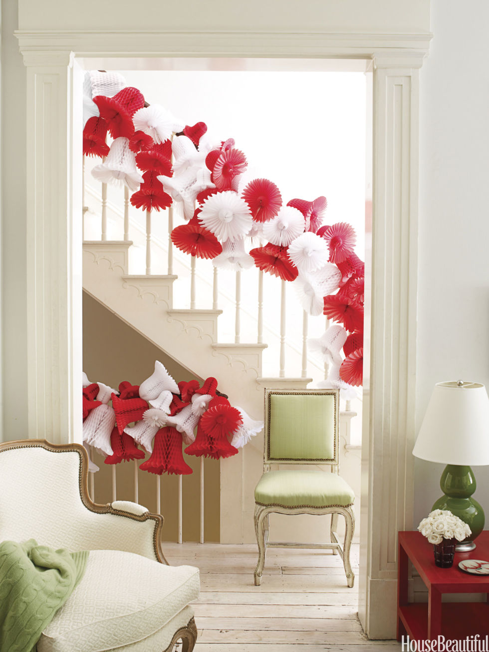 40 Gorgeous Christmas Banister Decorating Ideas