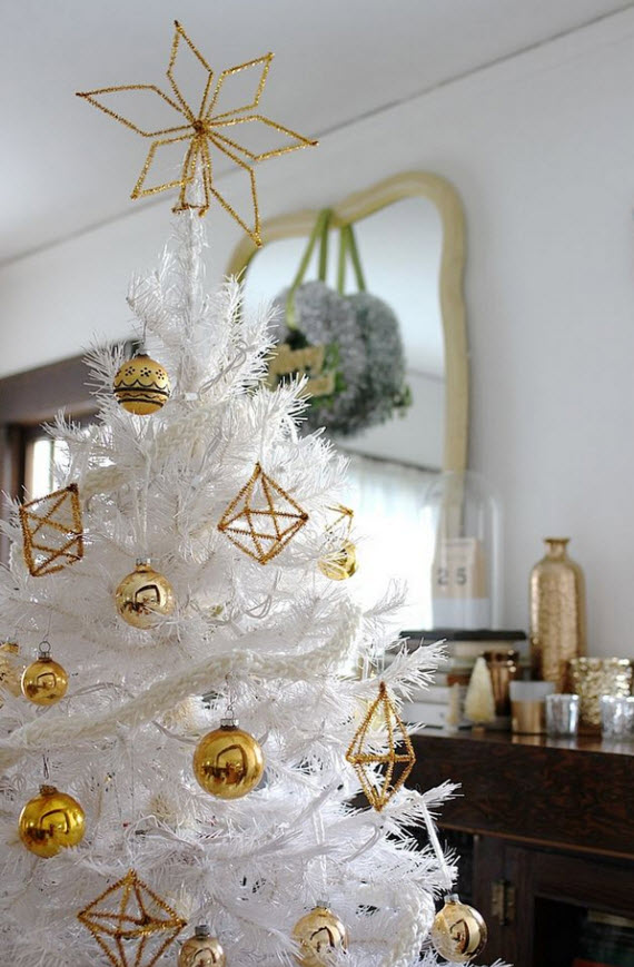 Top 40 Elegant And Dreamy White And Gold Christmas Decoration Ideas Christmas Celebration All About Christmas
