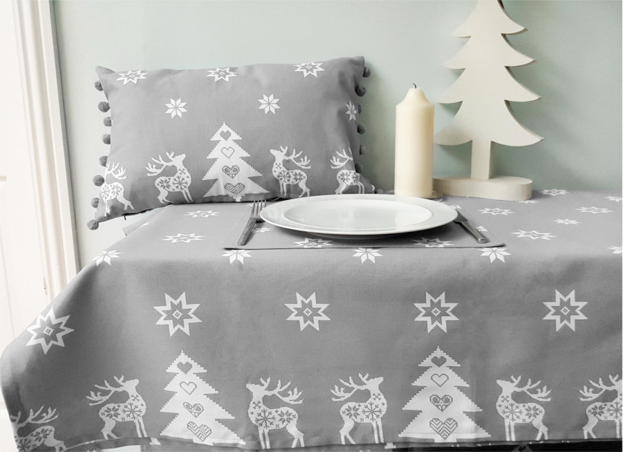 Christmas Tablecloth Design And Decoration Ideas Christmas Celebration All About Christmas