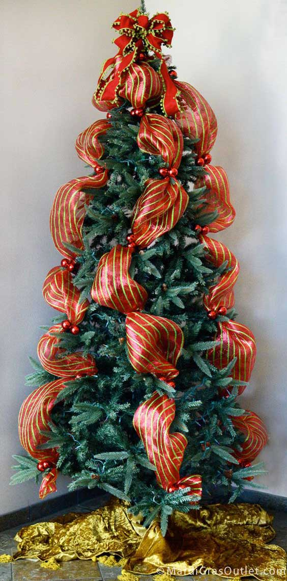 Christmas Tree Decorating with Mesh Ribbons - Christmas ...