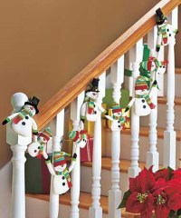 40+ Festive Christmas Banister Decorations Ideas - All ...