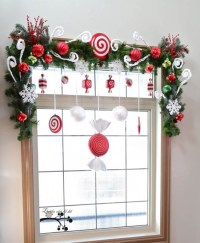 40+ Stunning Christmas Window Decorations Ideas