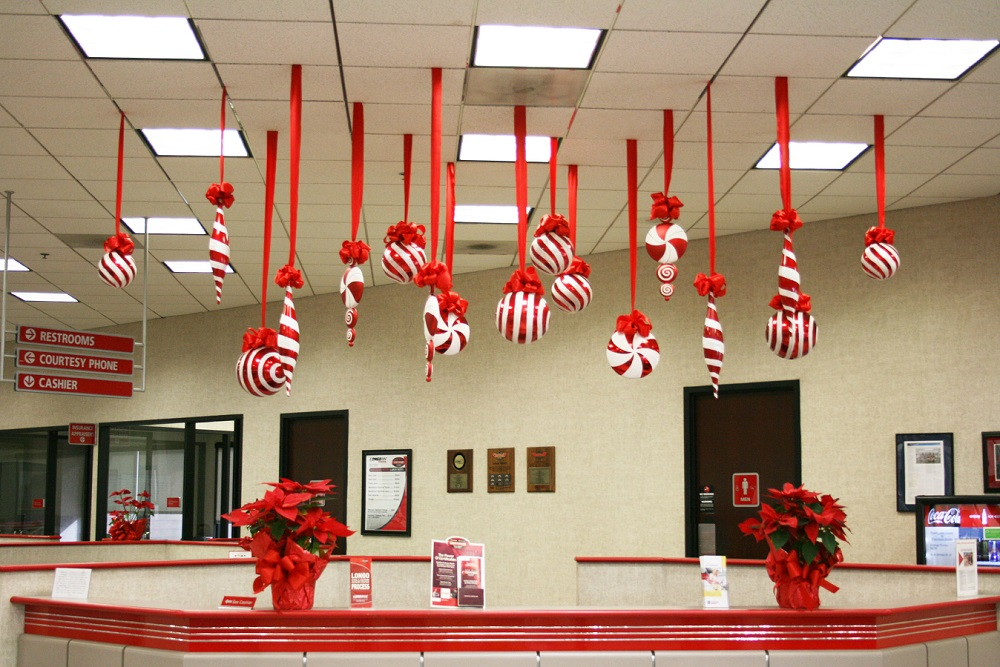 40 office christmas decorating