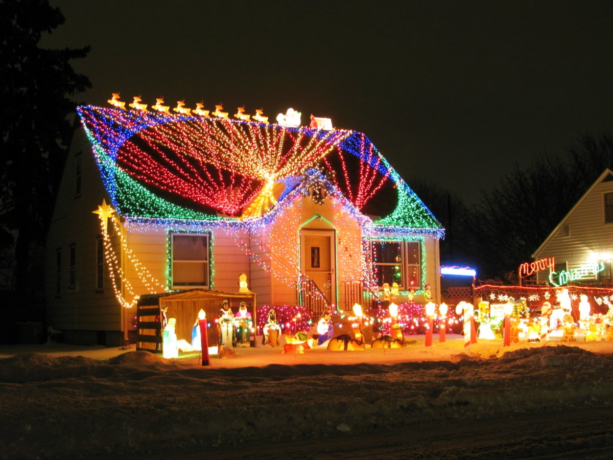 40 Outdoor Christmas Lights Decorating Ideas All About Christmas