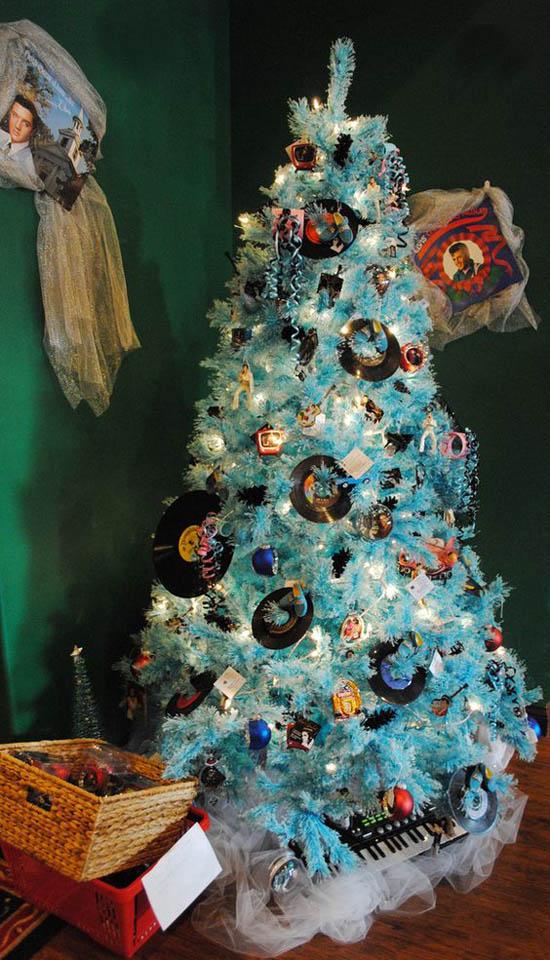 christmas tree decorations theme