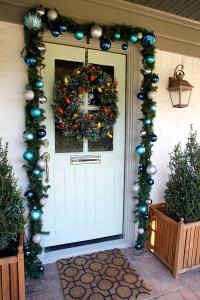 40 Appealing Christmas Main Door Decoration Ideas - All ...
