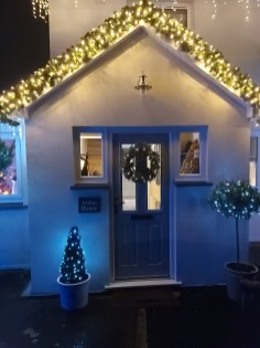 Carlys House - Commercial Luxury Christmas Garland on exterior
