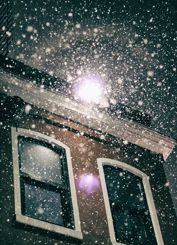 snow-window-pixaby-a-lind-mt
