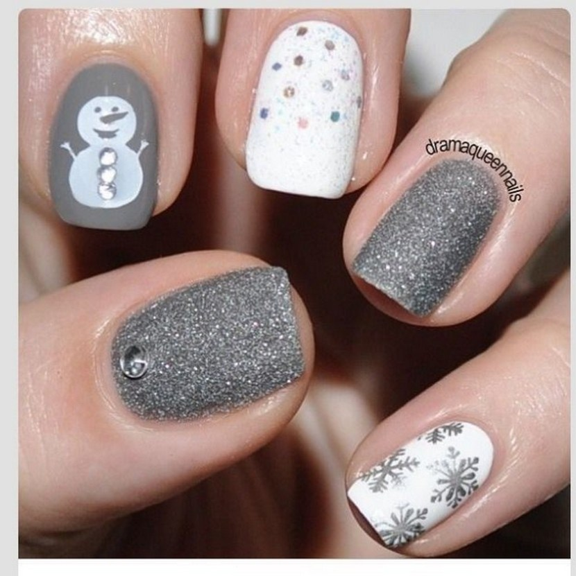 Christmas Acrylic Nails Grey