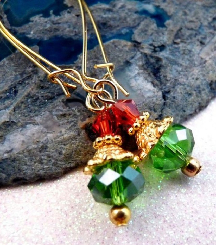 Christmas Earrings Christmas Jewelry Beaded Earrings Crystal Earrings Beaded Jewelry Crystal Jewelry Holiday Jewelry Gold Jewelry $7.00, via Etsy