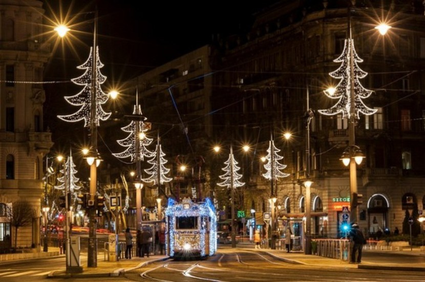 Budapest Christmas Tram – photo by BKK