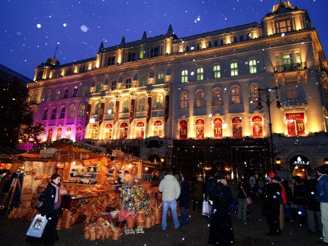 Budapest Christmas Market 2012 ('Europe's Best Christmas fair') 18th of November – 30th of December 2012