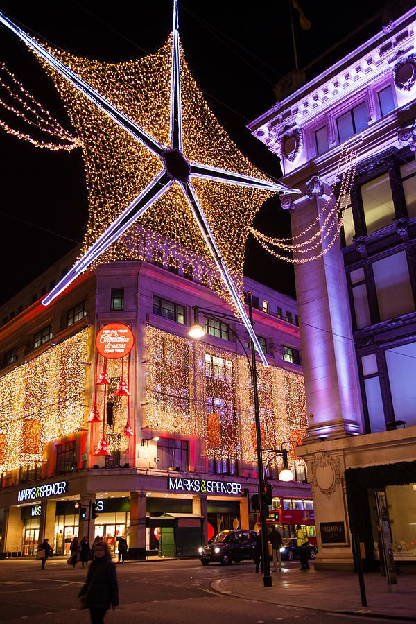 Christmas in London, just reminds me of what Doctor Who taught me, don't go to London on Christmas!