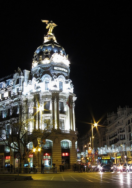 christmas-in-metropoli-building-and-gran-via-madrid