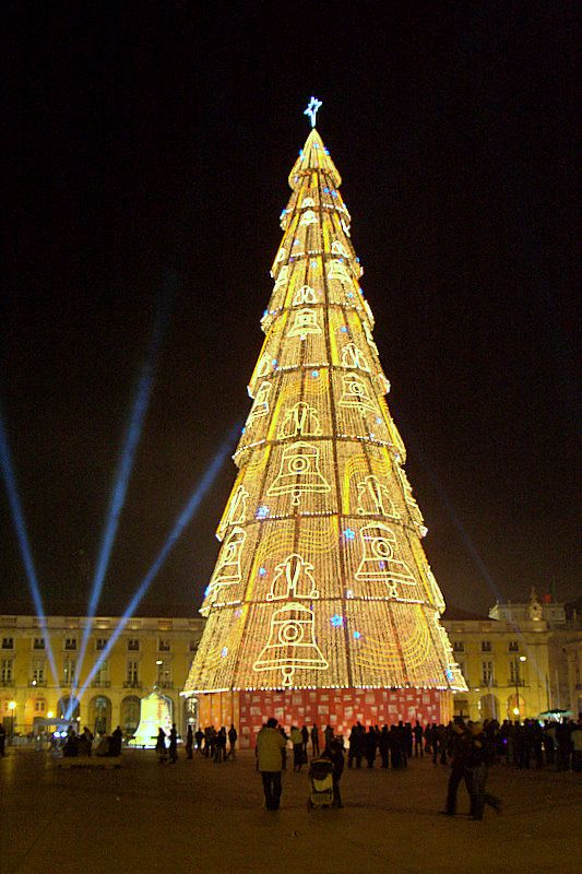 christmas-tree-in-lisbon-portugal