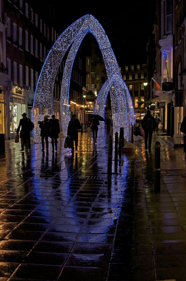 London Christmas lights – Beautiful and unique arches