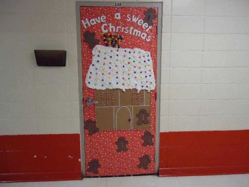 Antique Design Door Decorations For Christmas