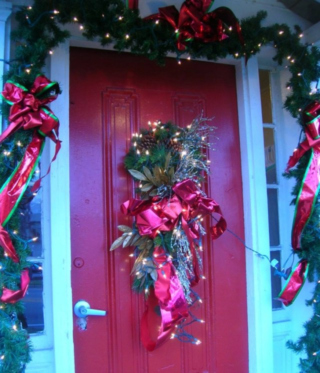 Comely Door Decorations For Christmas