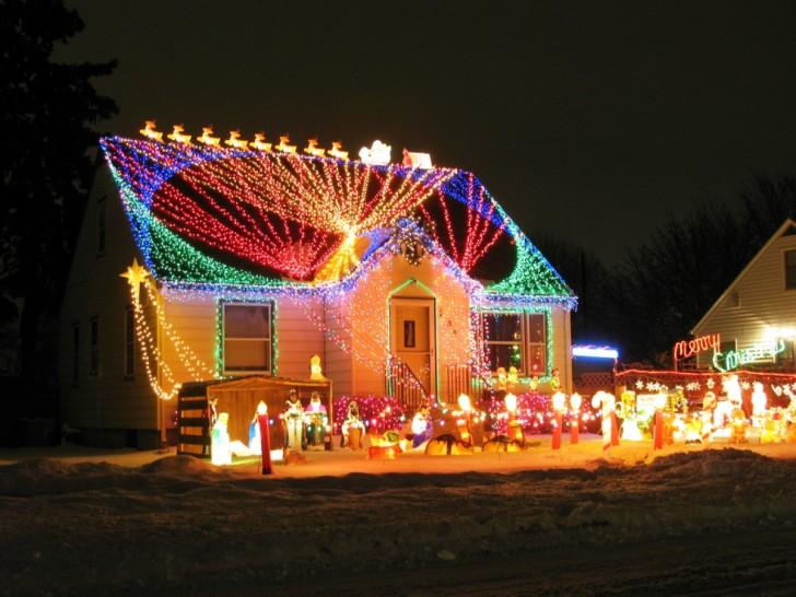 House exterior christmas decoration