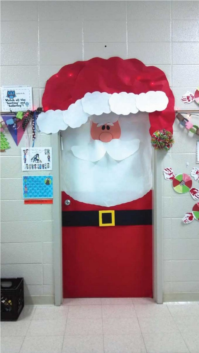 Lovely Door Decorations For Christmas