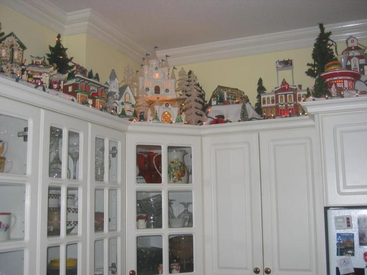 Christmas decorating above kitchen cabinets – Christmas Photos