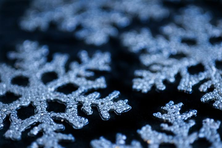 Free Christmas Falling Snow Wallpaper Photo Of Blue Snowflake Decorations Free Christmas Images