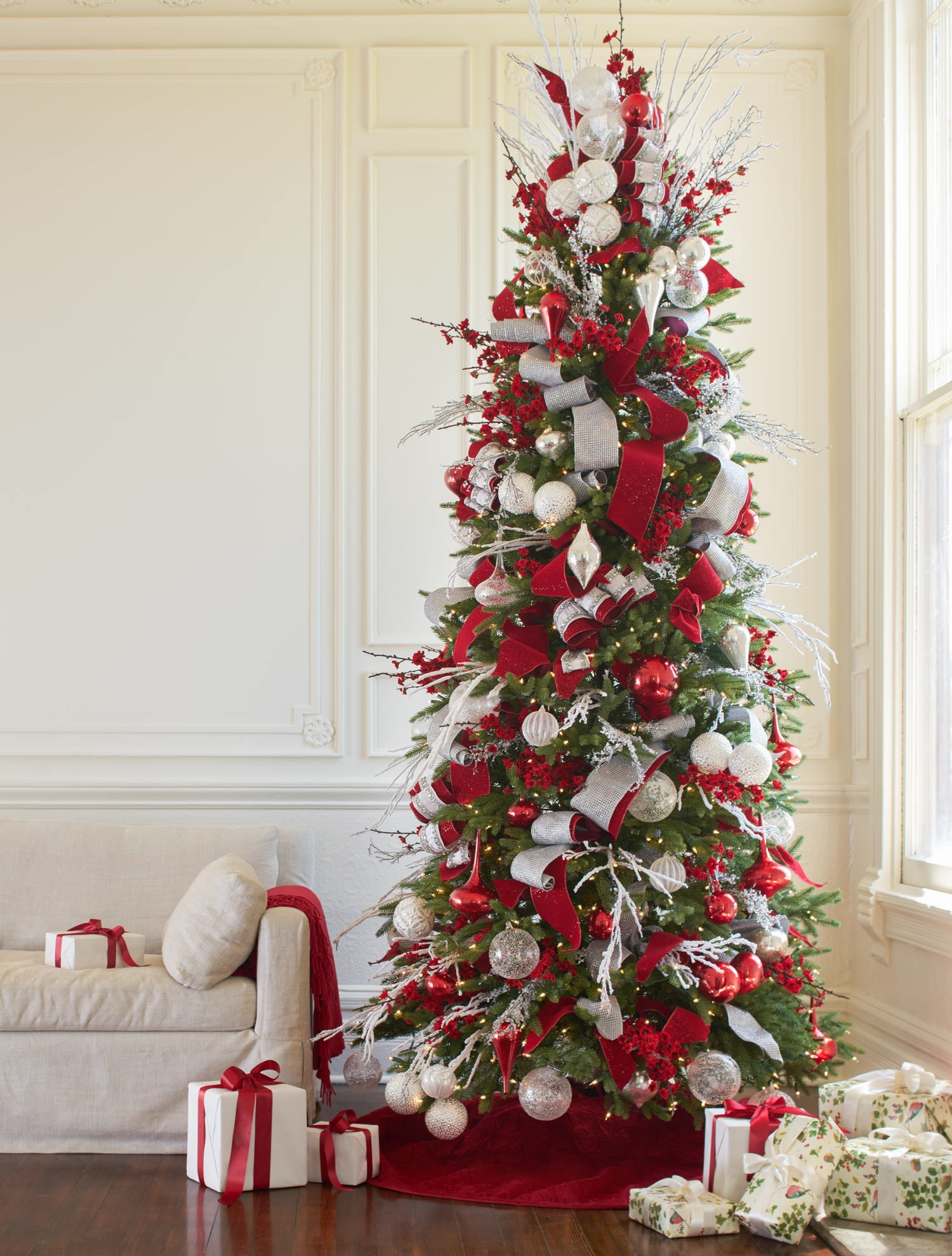 Pictures Of White Decorated Christmas Trees