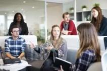 Taktik der Führung - Mitarbeiter diskutieren lassen