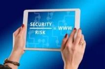 Risk und Security der Digitalisierung auf tabletscreen
