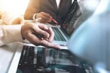 digitale Verwaltung durch Manager am PC