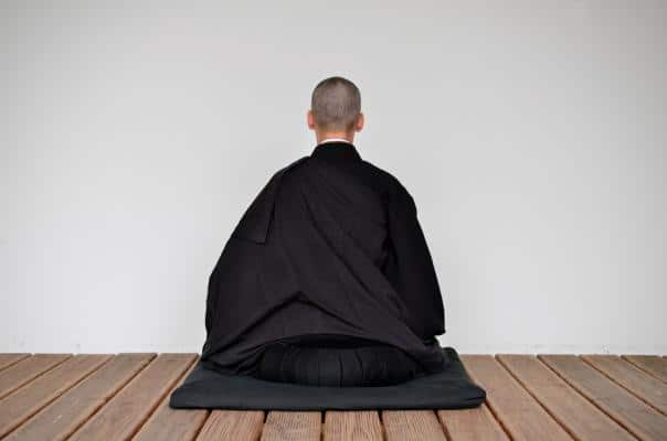 Méditation zen moine