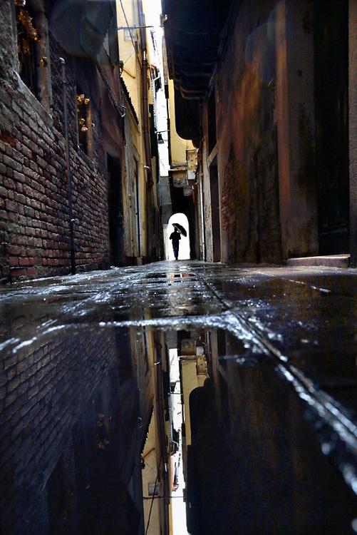 https://i0.wp.com/christophejacrot.com/wp-content/uploads/in-the-mood-for-rain/CJ_2012_VENISE_015_small.jpg