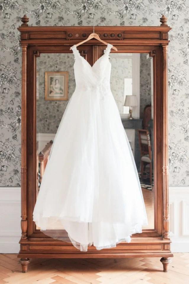 Mariage au Château d'Aveny CHrisotphe Lefebvre Photographe Préparatifs Robe de mariée reportage photo mariage