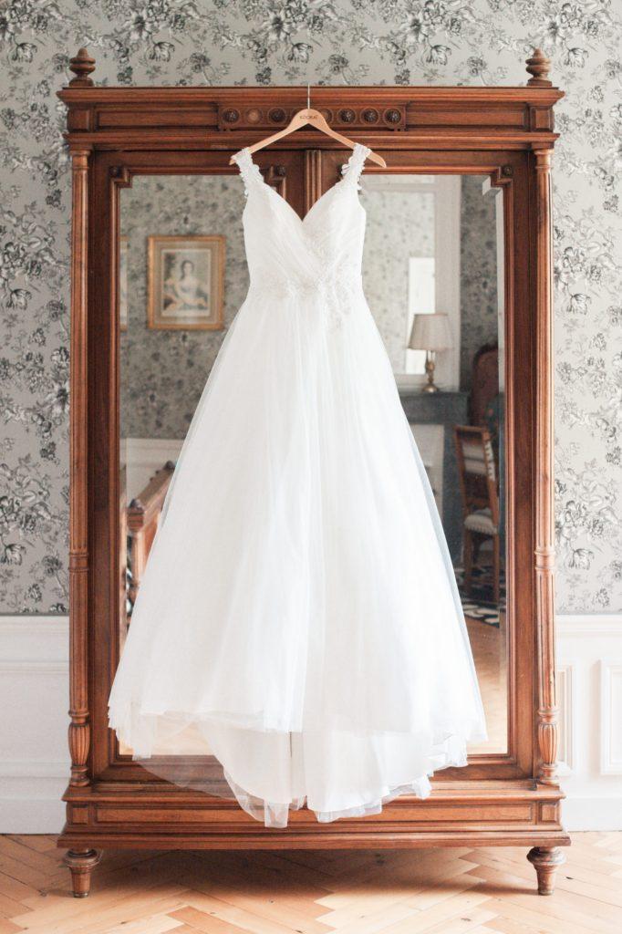 Mariage au Château d'Aveny CHrisotphe Lefebvre Photographe Préparatifs Robe de mariée