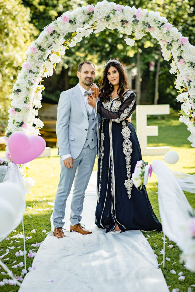Mariage Franco Marocain Maisons Laffitte Les Jardins de la vieille Fontaine Christophe Lefebvre Photographe Yvelines l'arche photo de couple